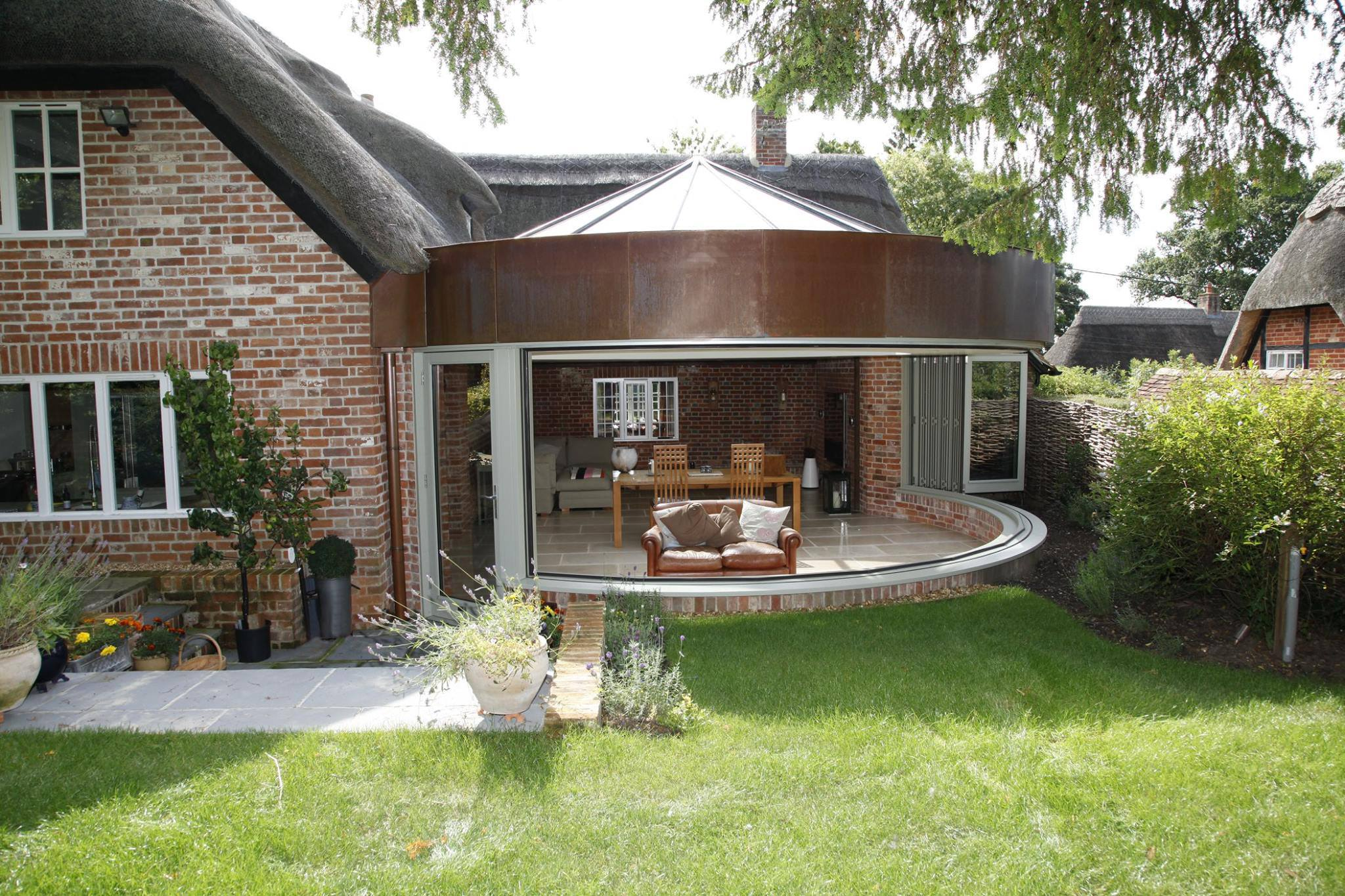 Silverman's Cottage - Curved Folding Sliding Doors