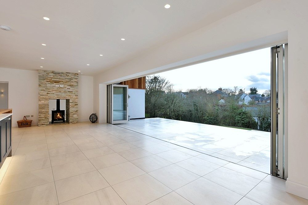 Silverman's Cottage - Curved Folding Sliding Doors